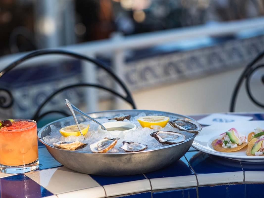 Las-Brisas-oysters