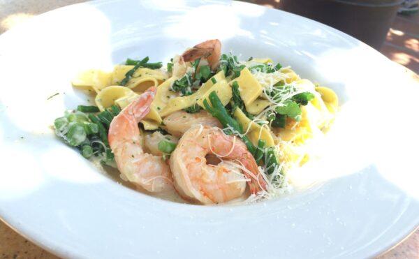 Shrimp Scampi with Fettuccine in White Wine Lemon Sauce