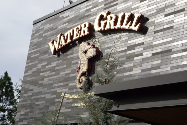 Water Grill in Costa Mesa Serves Fresh Tank to Table Seafood 1