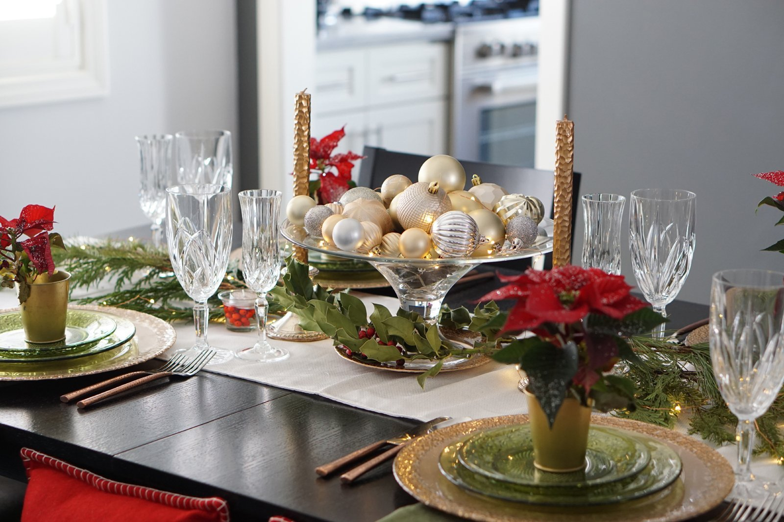 2017 Trend Alert: Antique Copper Holiday Tablescape to Wow Your Guests This Year