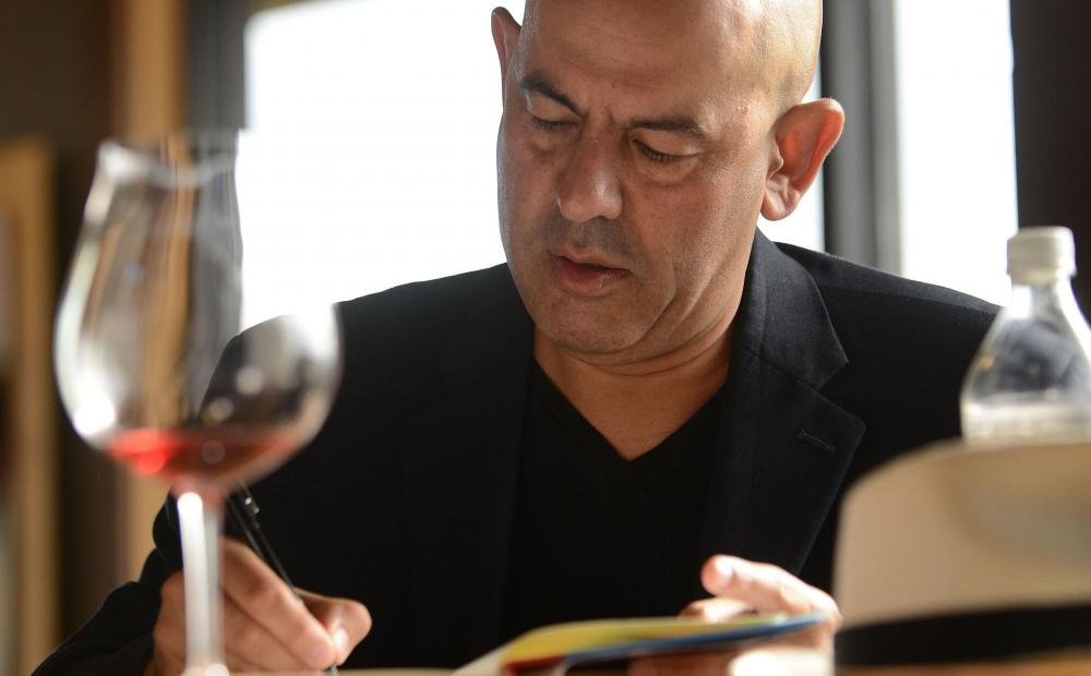 Want to Enjoy Dinner with Simon Majumdar of The Food Network?