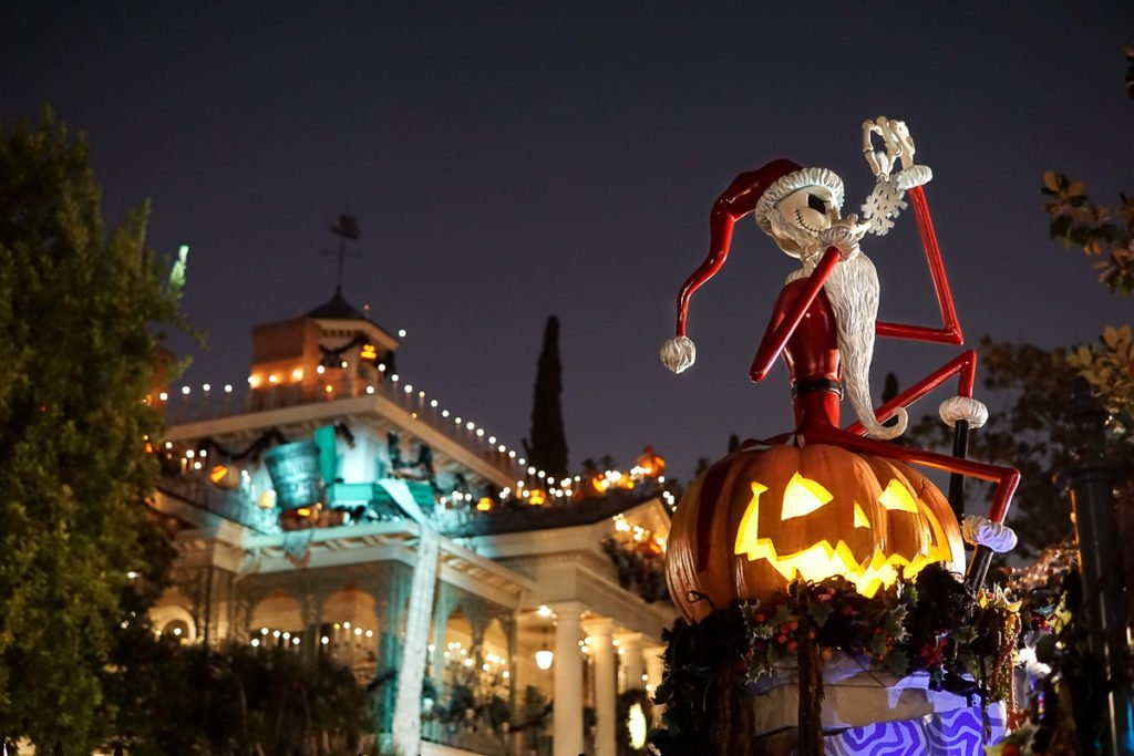 Why You Should Plan Your Disney Vacation for Disneyland Halloween 1