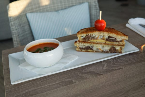 Dock and Dine As You Enjoy a Boat Ride To Lighthouse Bayview Cafe 6