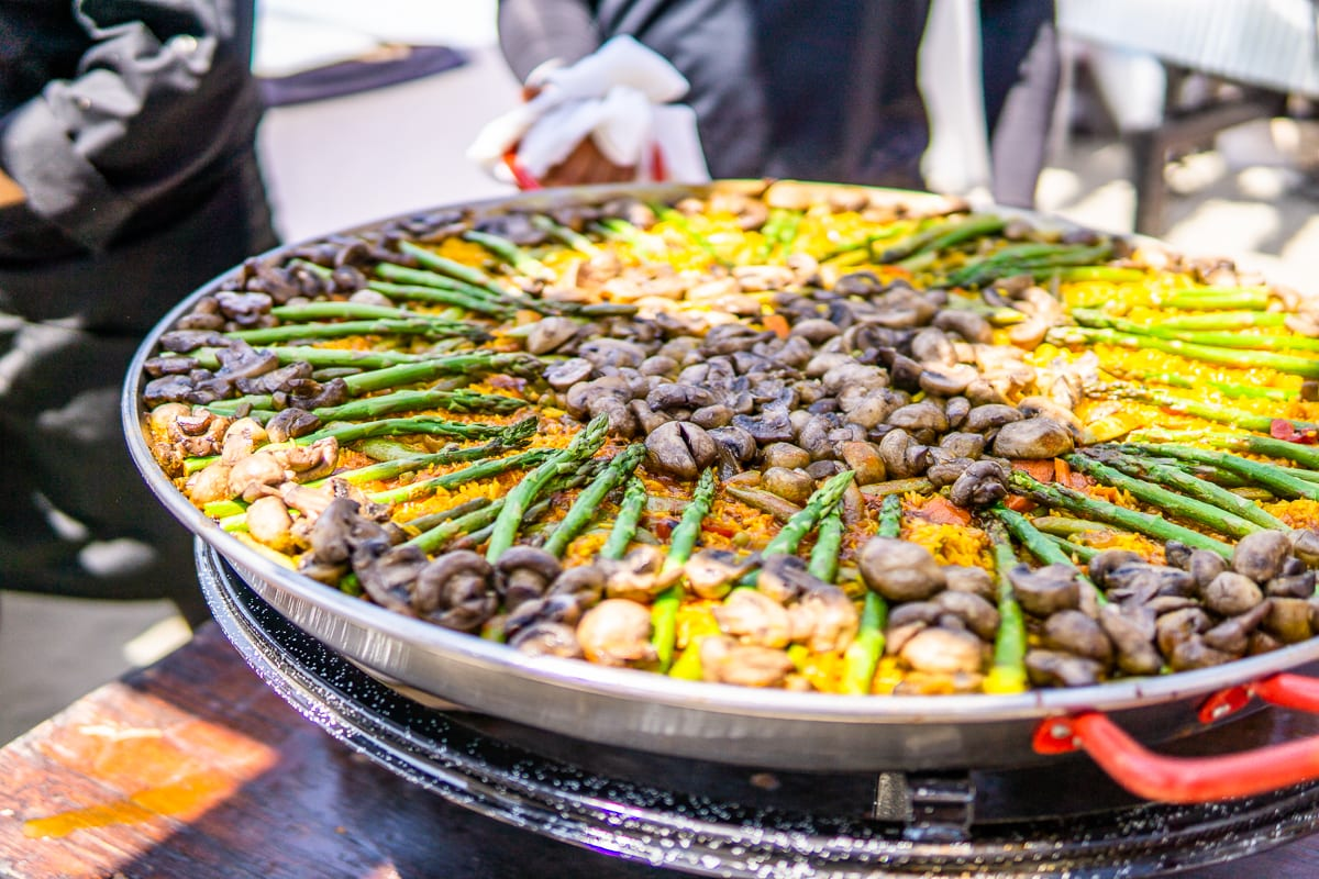 Pacific wine and food paella