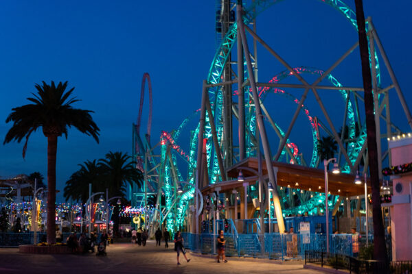 Hangtime at Knotts Berry Farm Opens as California's Only Dive Coaster and it's Terrifying! 3