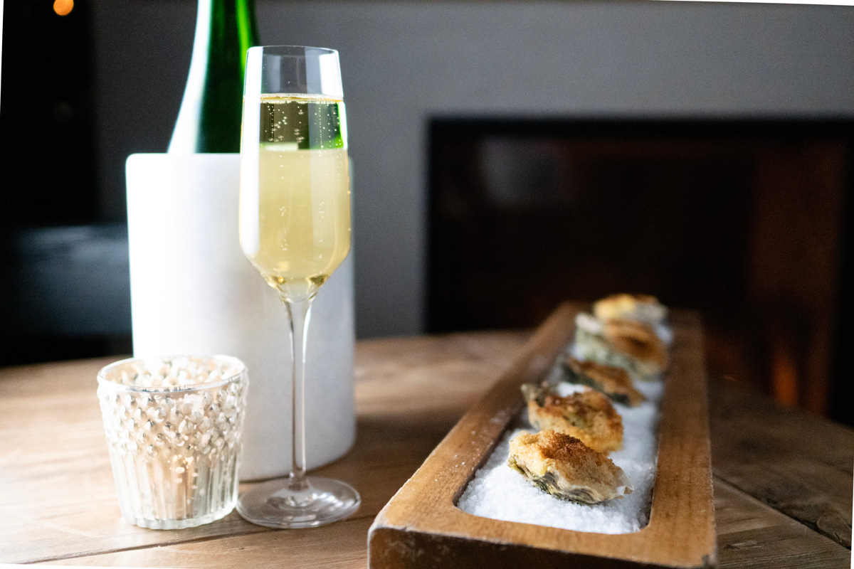 Leoness-Cellar-Oysters-rock