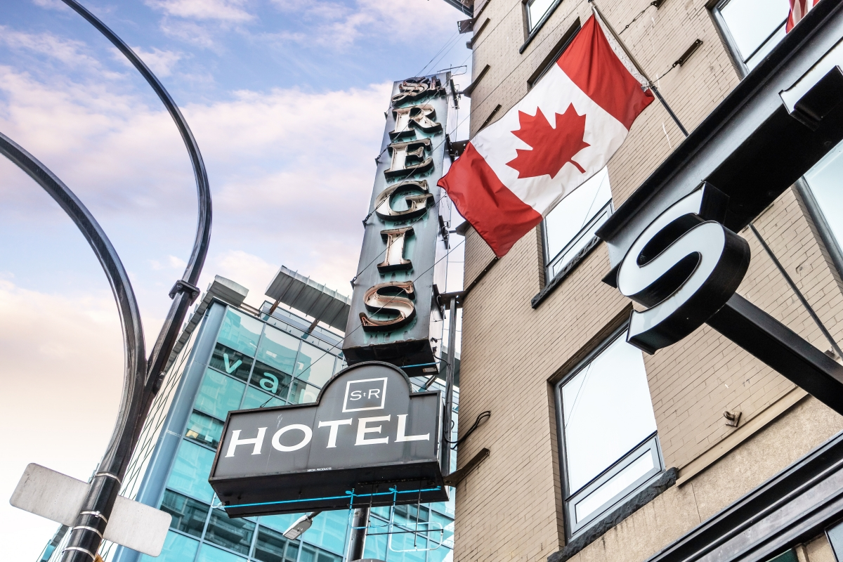 This Perfect Downtown Vancouver Hotel Combines Luxury and Convenience 7