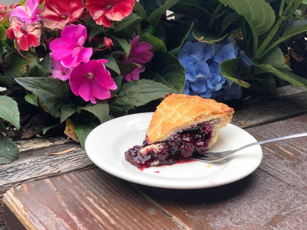 Knotts-Boysenberry-pie