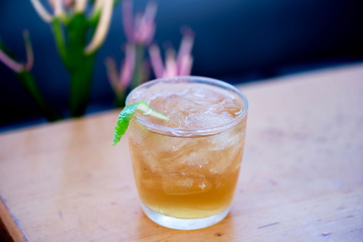 Memphis-Cafe-cocktails