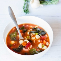 Delicious & Healthy Tuscan Minestrone Soup Recipe
