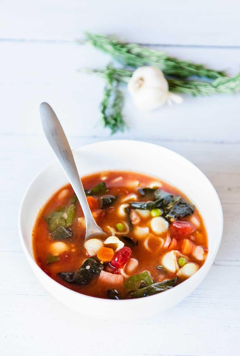 Delicious & Healthy Tuscan Minestrone Soup Recipe