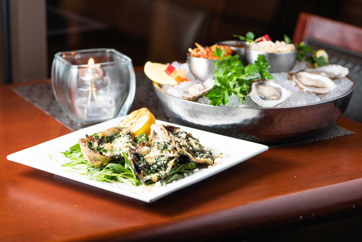 Davios-happy-hour-oysters