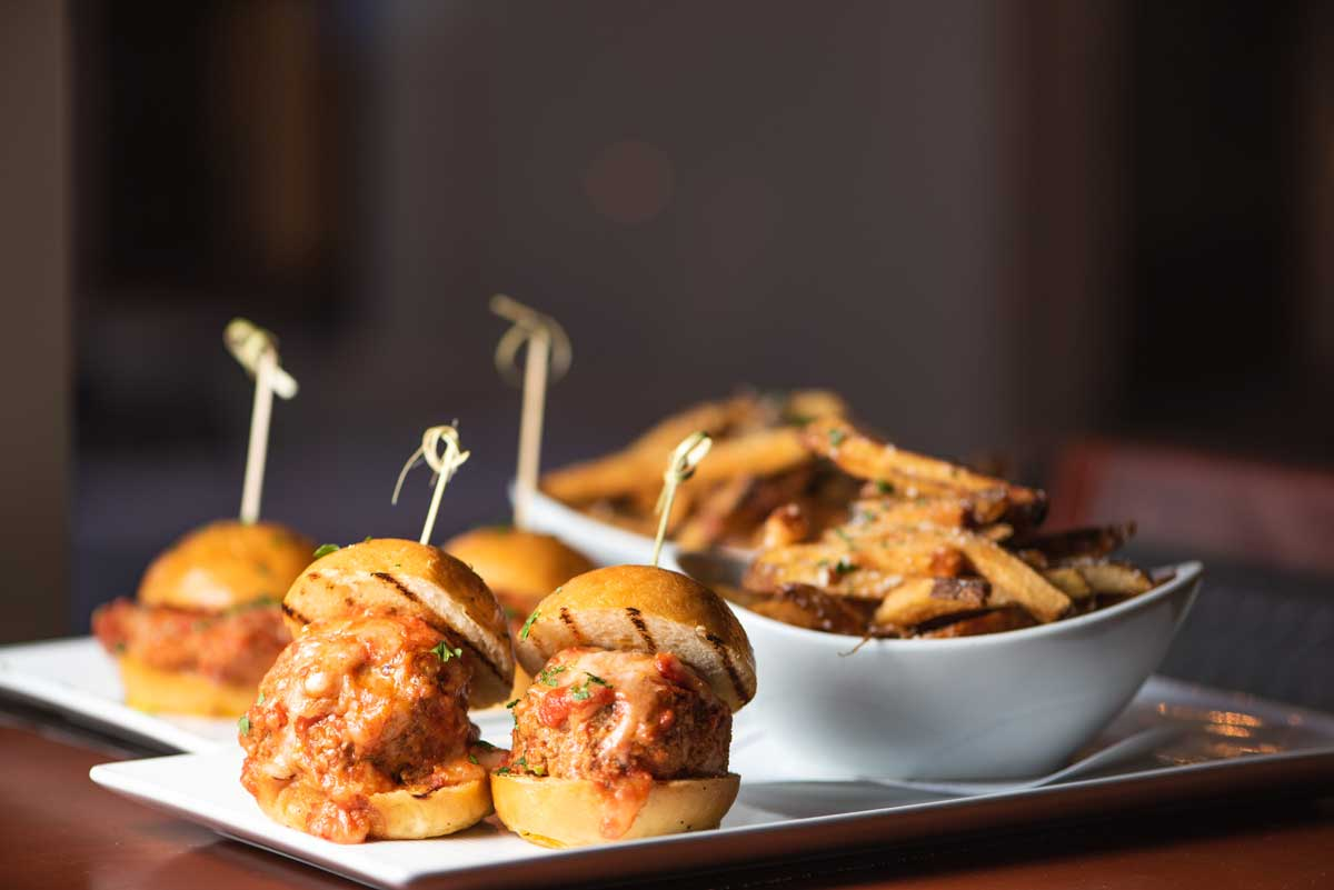 Davios-Happy-Hour-Sliders