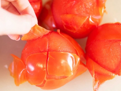 How to seed and peel tomatoes