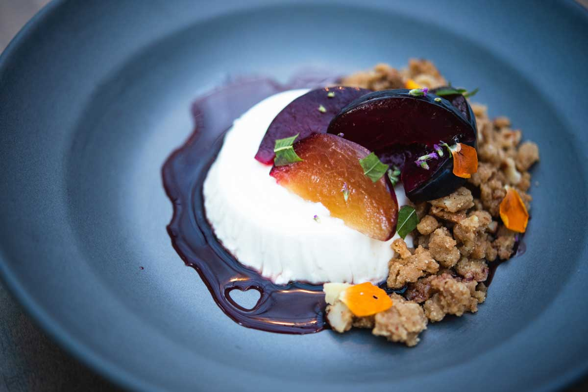 Five-Crowns-Seasonal-Panna-Cotta