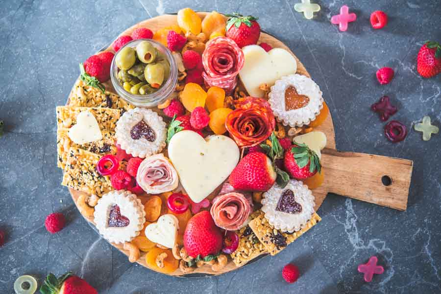 How-to-Make-a-Valentines-Day-Charcuterie-Board