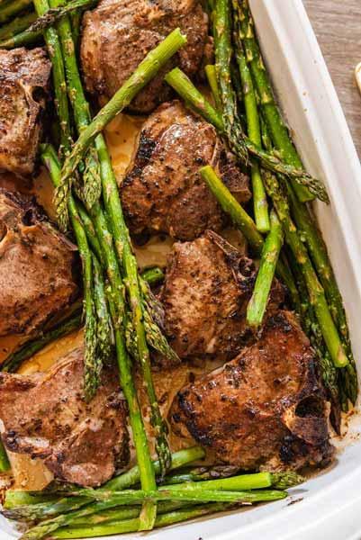 lamb chops and asparagus