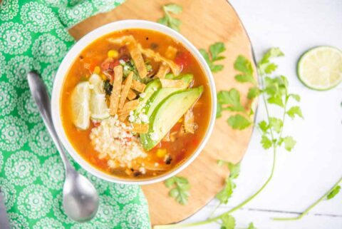 Low-Calorie-chicken-tortilla-soup-recipe