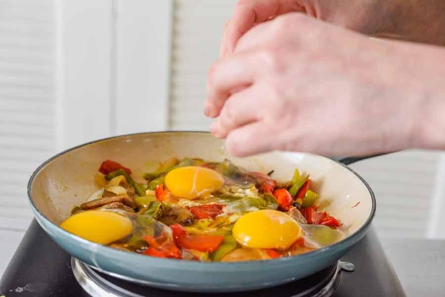 Sausage-egg-breakfast-skillet