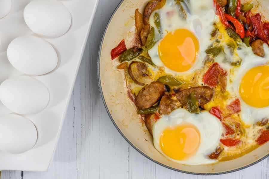 Breakfast-sausage-and-peppers-skillet