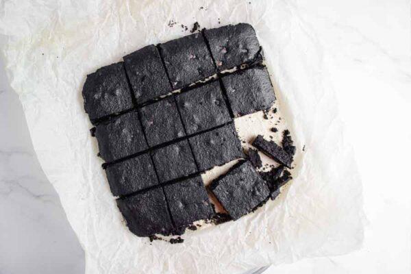 cutting brownies