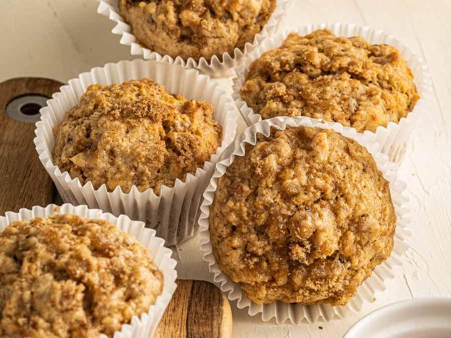 banana-and-granola-muffins