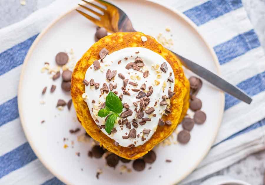 Pumpkin-Pancakes-toppings